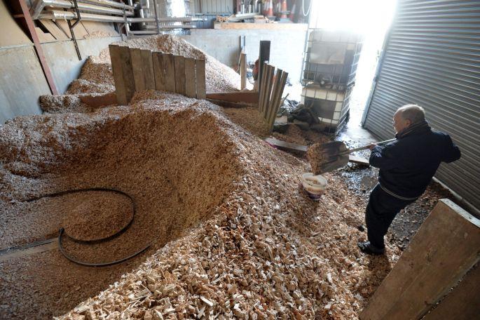 Calefacción con madera reciclada. Por Alan Betson The Irish Times